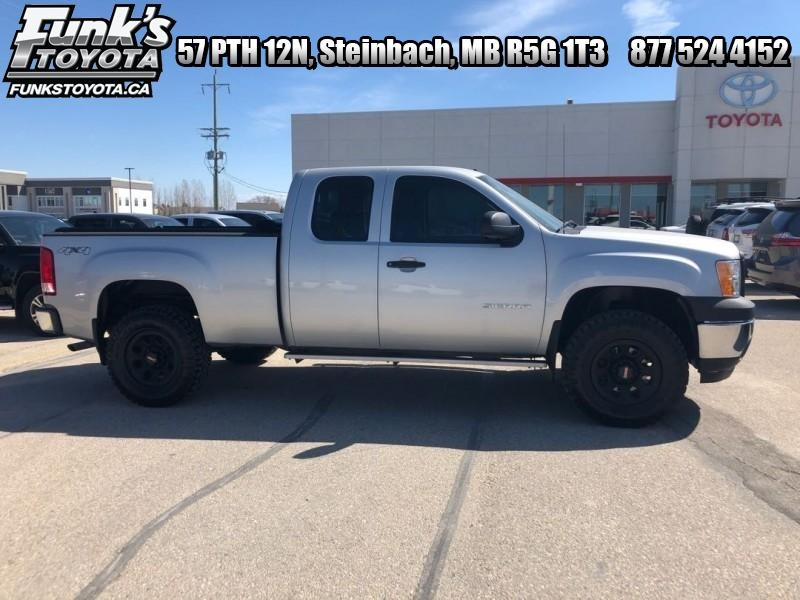 2011 GMC Sierra 1500 4WD EXT CAB 143.5 (I-184A) Main Image